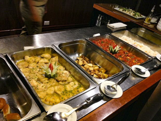 A delicious buffet of hot food aboard the Amatista.