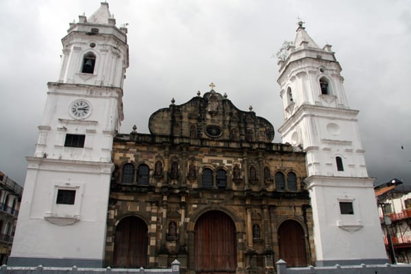 La Cathedral Metropolitana in the main plaza seen from their land tour in Panama.