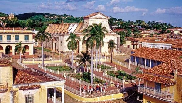 vista overlooking a Cuban town